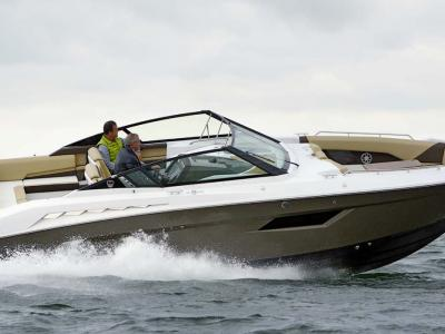 Cruisers 328 Bow Rider Rapport de test
