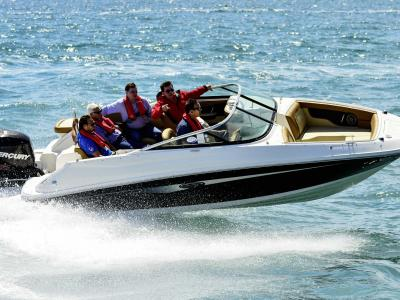 Sea Ray 220 Sundeck Rapport de test